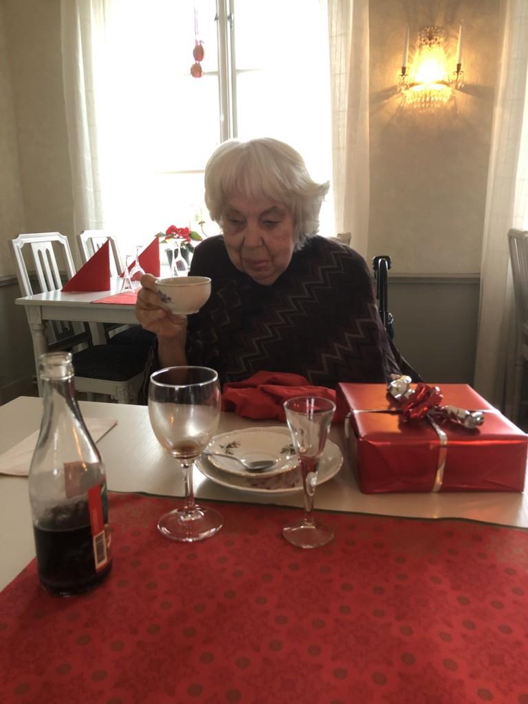 Fika efter julbord Uppsala assistans glaucus