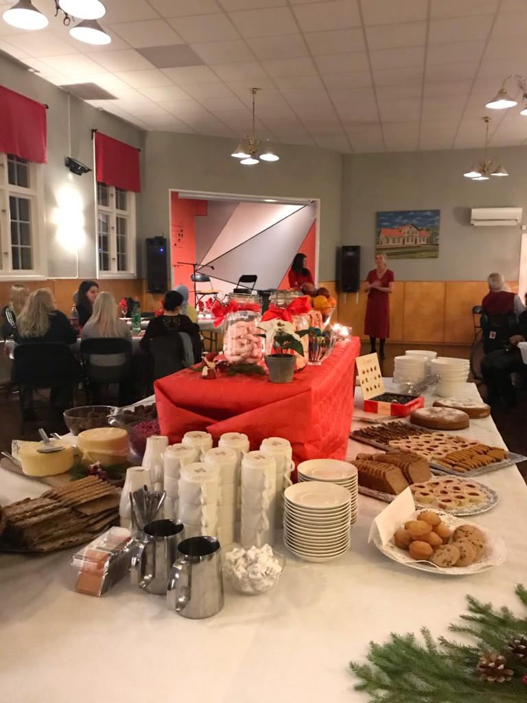 Fika efter julbord personlig assistans assistenter uppsala